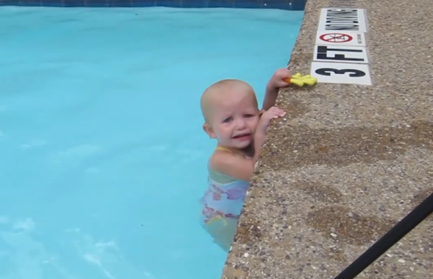 Amazing Video of a Baby Swimming Across a Pool