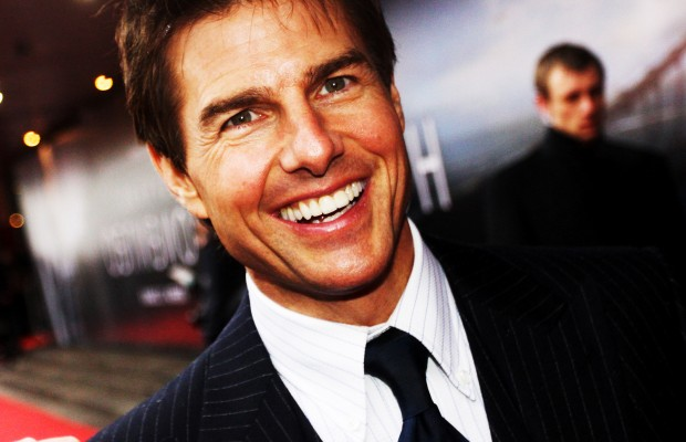 8 Crazy Tom Cruise GIFs for his B-Day